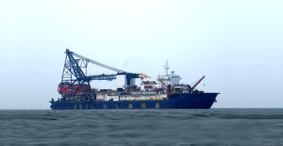 Derrick Pipelay Barge For Sale File-0209